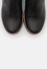 Panama Jack - PAULINE TRAVELLING - Ankle boots - black - 5