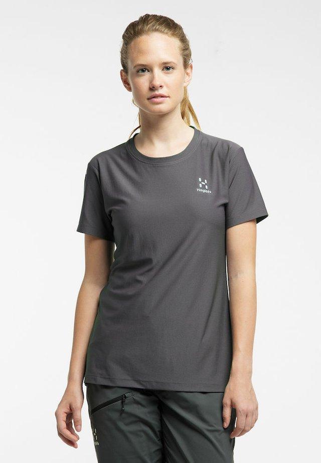 L.I.M TECH TEE - Print T-shirt - magnetite