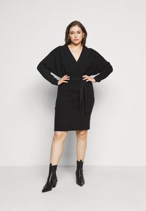 VMREM DRESS CURVE - Jumper dress - black