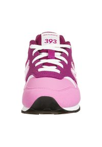 New Balance - YC393-M - Trainers - pink - 5