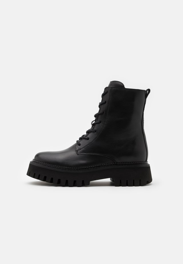 GROOV-Y - Bottines à plateau - black