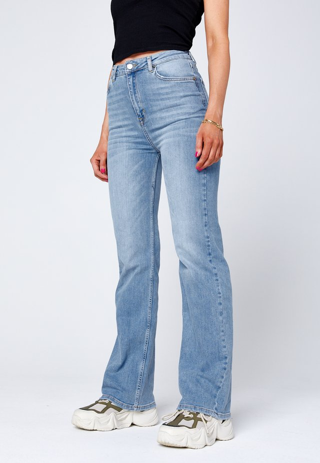 O-NINETYS  - Straight leg jeans - light-blue denim
