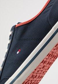 Tommy Hilfiger - HARRINGTON - Sneakersy niskie - blue - 5