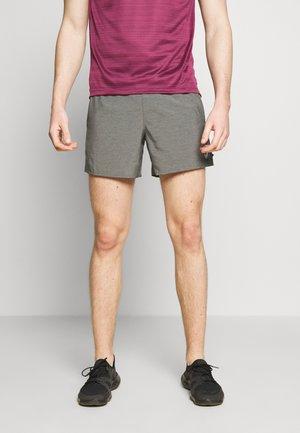 CHALLENGER SHORT - Pantaloncini sportivi - iron grey