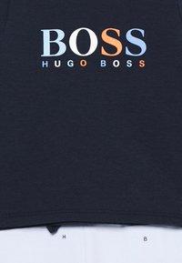 BOSS Kidswear - BABY SET - Pantalones deportivos - navypale blue - 3