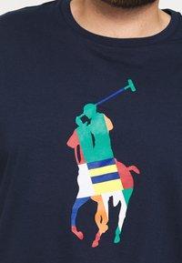 Polo Ralph Lauren Big & Tall - SHORT SLEEVE - Print T-shirt - newport navy - 5