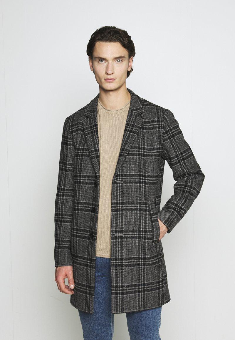 Jack & Jones PREMIUM - JPRBLAMOULDER CHECK - Classic coat - dark grey melange