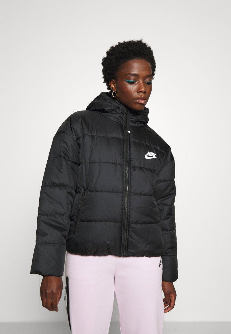 Nike Sportswear - CLASSIC - Winter jacket - black/white