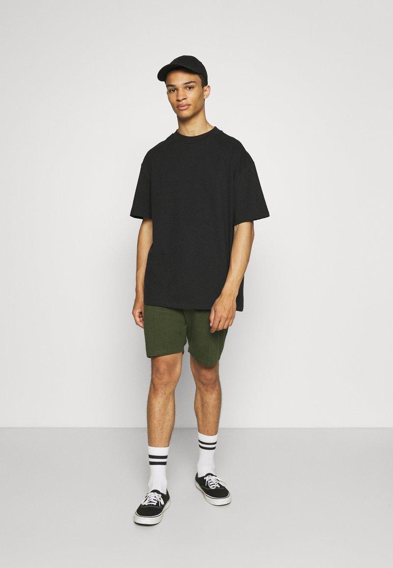 Newport Bay Sailing Club - SMART 2 PACK - Shorts - black/khaki