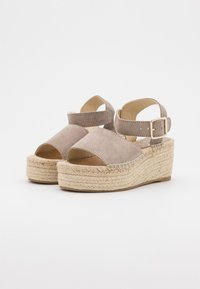 JUTELAUNE - PLATFORM  - Platform sandals - nude - 2