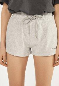 Bershka - Shorts - light grey - 3