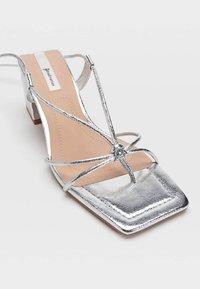Stradivarius - Sandály na vysokém podpatku - silver - 4