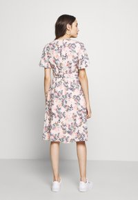 Esprit Collection Petite - FLUENT - Vapaa-ajan mekko - pastel pink - 2