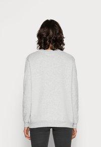 Calvin Klein Jeans - CORE MONOGRAM LOGO - Sweatshirt - light grey heather - 2