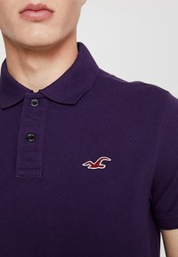 Hollister Co. - HERITAGE - Polo - berry - 4