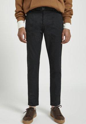 Chino - mottled black