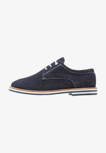 LEATHER - Šněrovací boty - dark blue