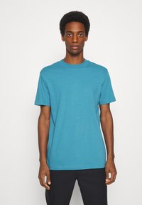 Selected Homme - SLHRELAXCOLMAN O NECK TEE - Basic T-shirt - bluejay - 0