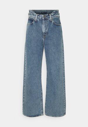 LMC HIP HUGGER - Flared jeans - crest blue