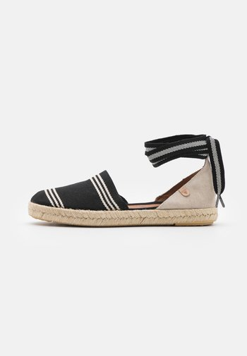 EREA - Loafers - crudo