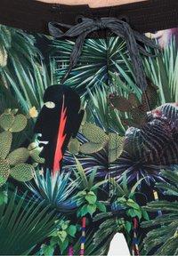 Roark - CHILLER JARDIN OASISS - Swimming shorts - black - 2