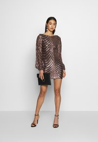 Club L London - SEQUIN BALLOON SLEEVE MINI DRESS - Vestido de cóctel - gold - 1