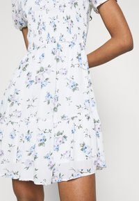 Hollister Co. - SHORT DRESS - Day dress - white floral - 5