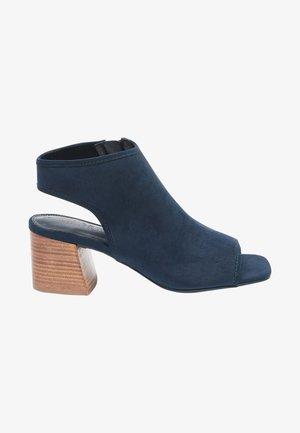 Sandały z cholewką - dark blue