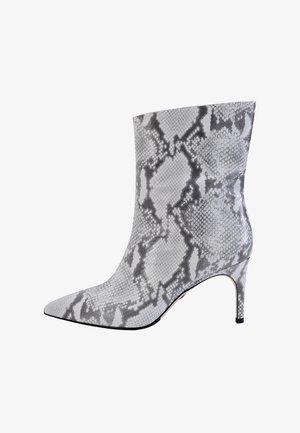 Enkellaarsjes met hoge hak - snake-grey