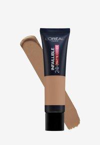 L'Oréal Paris - INFAILLIBLE 24H MATTE COVER - Foundation - 320 caramel/toffee - 1