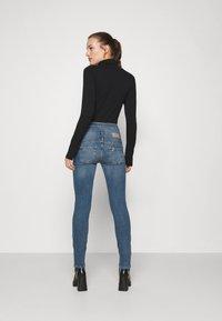 Liu Jo Jeans - RAMPY - Jeans slim fit - denim blue dazed wash - 2