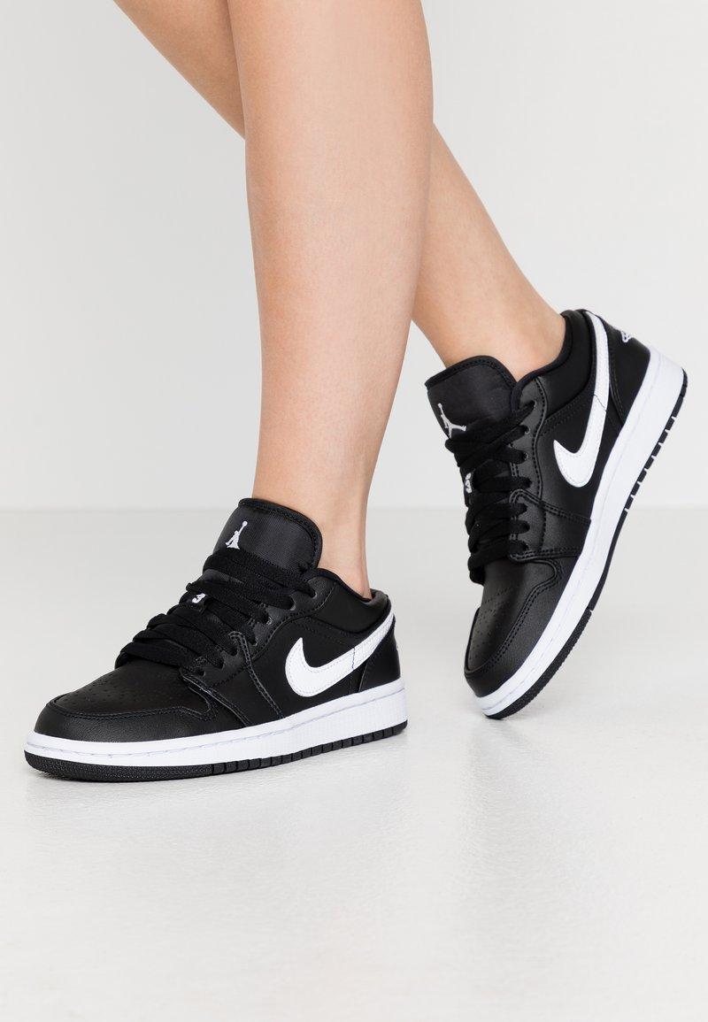 Jordan - AIR 1  - Trainers - black/white