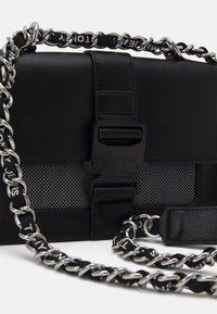Tommy Jeans - ITEM CROSSOVER - Across body bag - black - 3