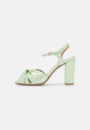 ELEA - Sandały - glass verde