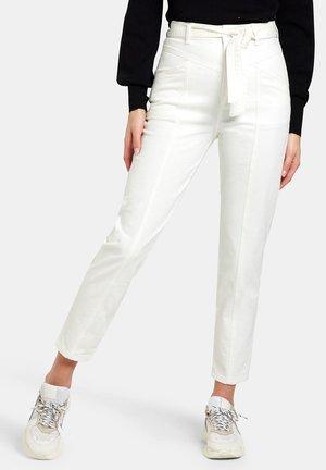TESS DENIM - Slim fit jeans - white