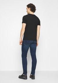 Diesel - YENNOX - Slim fit jeans - dark blue - 2