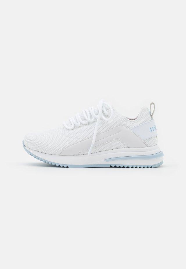 Sneakersy niskie - waves