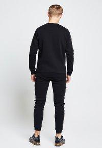 SIKSILK - LONDON  - Sweatshirt - black - 3