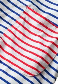 Boden - MIT TASCHE - Jersey dress - naturweiß/blitzblau - 2