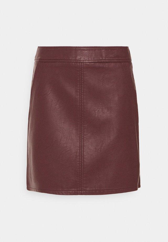 POCKET SKIRT - Mini skirt - berry