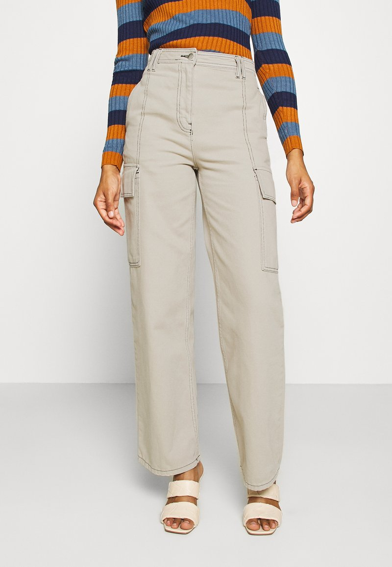 Topshop - STRAIGHT LEG SIDE POCKET TROUSERS - Trousers - stone