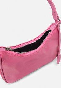 Steve Madden - BGLIDE - Handbag - pink - 2
