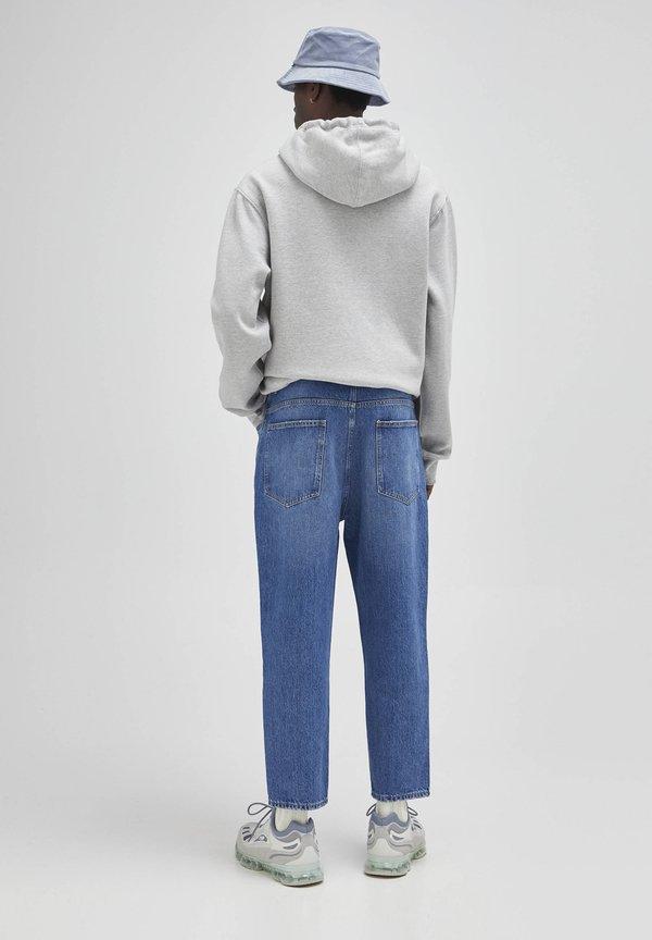 PULL&BEAR Jeansy Relaxed Fit - mottled blue/niebieski melanż Odzież Męska FRMW