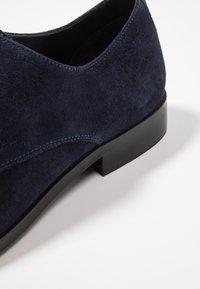 KIOMI - Smart lace-ups - dark blue - 5