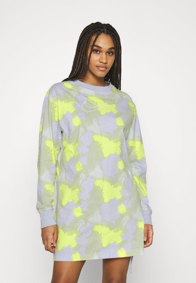 Nike Sportswear - DRESS - Jersey dress - barely green