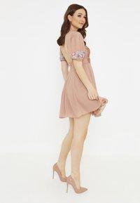 BEAUUT - Day dress - pale mauve - 2
