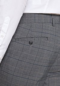 Lindbergh - CHECKED SUIT - Completo - grey - 8