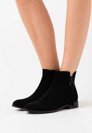 CHELSEA BOOTIE - Classic ankle boots - black