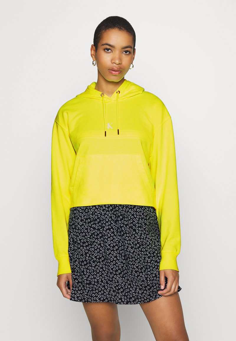 Calvin Klein Jeans - PUFF PRINT CROPPED HOODIE - Hoodie - safety yellow