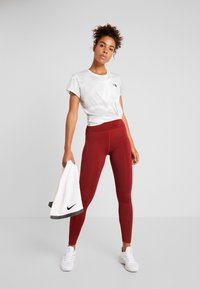 The North Face - WOMENS REAXION CREW - Basic T-shirt - white - 1